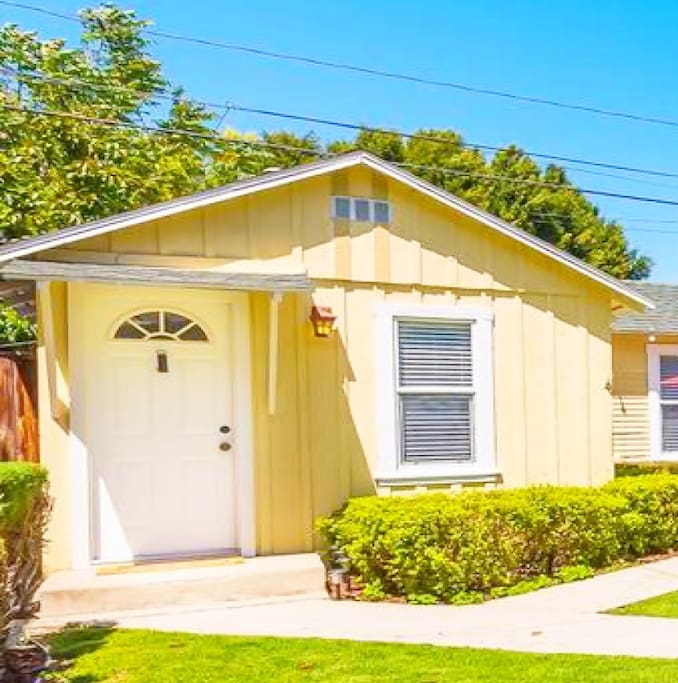 Separate 1 bd/1bath house surrounded by a lush garden!