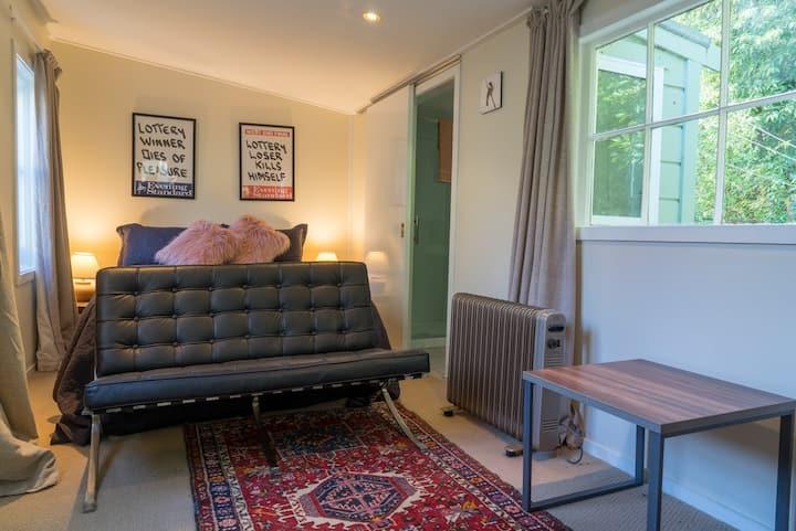 Private Retreat in North Dunedin