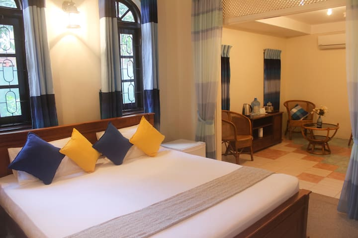 Spacious Room near Airport & Negombo with A/C