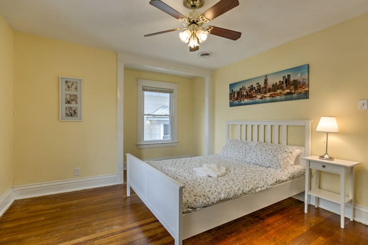 Spacious bedroom with full walk in closet