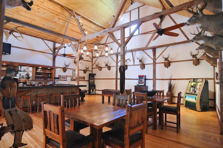 Big Valley Ranch's Barn House - Avoca