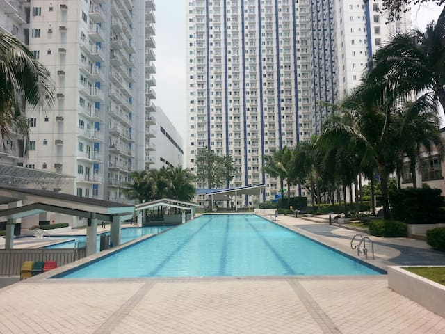 Spacious 2BR&2TB with WIFI for Rent Grass Res - Quezon City - Condo