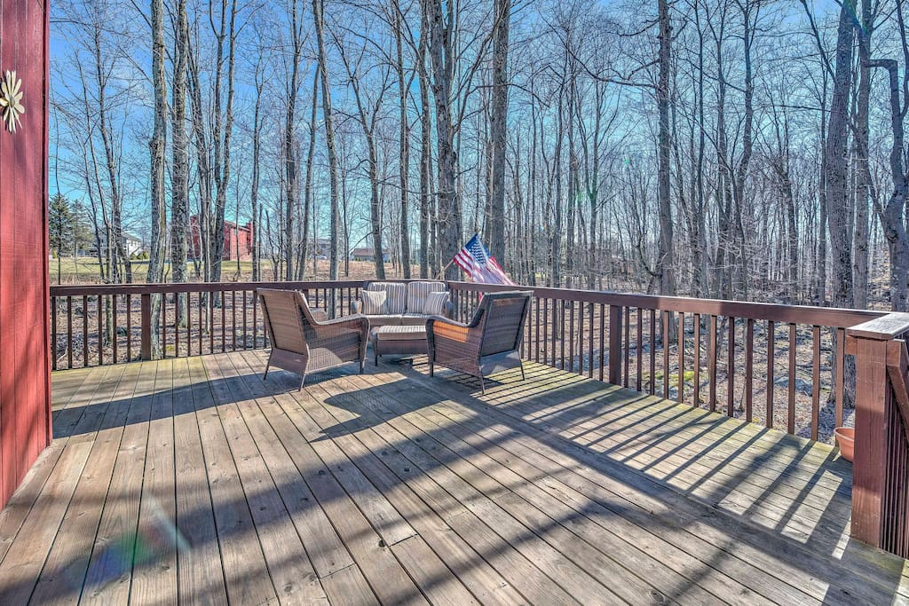 Enjoy spending your days lounging on the spacious deck grilling and enjoying the forest views.