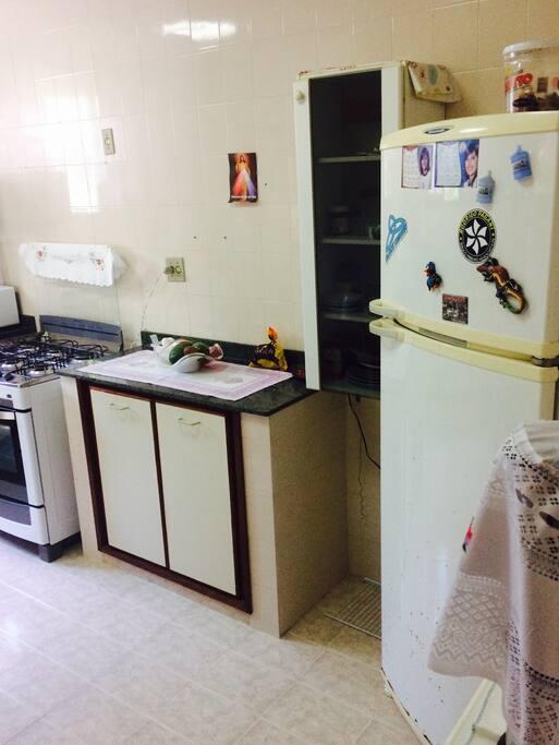 Cozinha ampla e completa