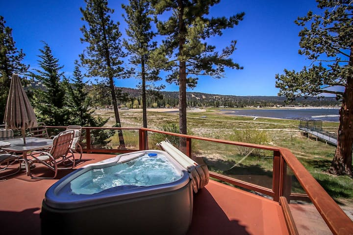 Lake Escape Two Story Home~Propane BBQ~Outdoor Spa~Pool Table~Fireplace~WiFi~ - Big Bear Lake