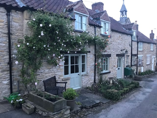 Charming traditional cottage on North York Moors