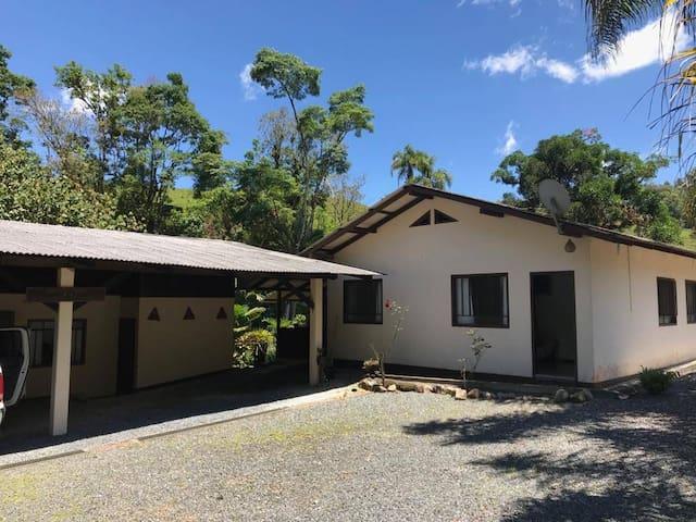 Casa de Campo em Rio Bonito