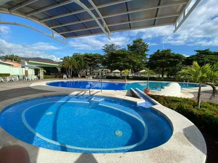 condominio pleno centro piscina abierta 8am-7pm