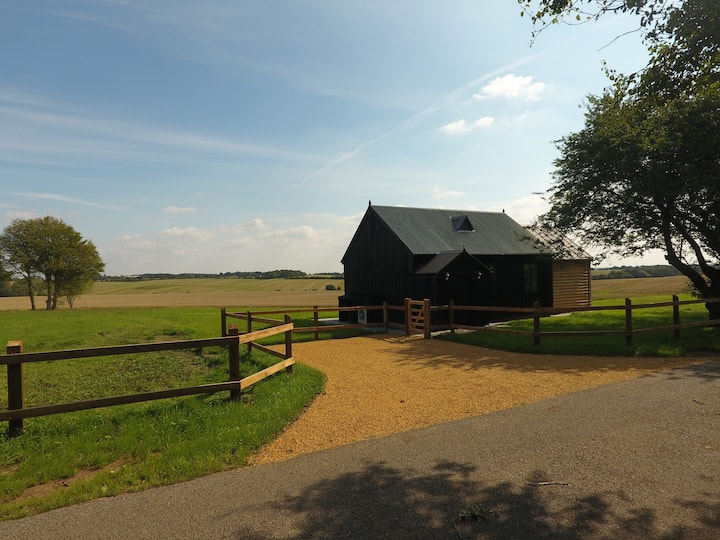 Rustic 1-bed holiday home in Suffolk countryside