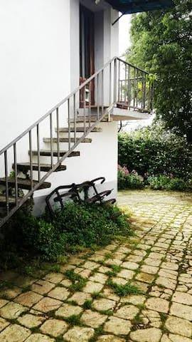 Apartamento en campo, 5km de Gerona - Aiguaviva - 아파트