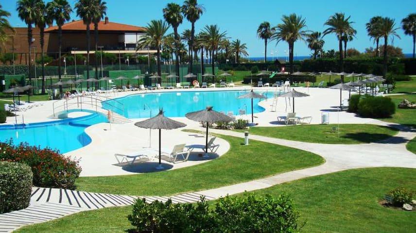 Perfectly located, beachfront apartment Islantilla