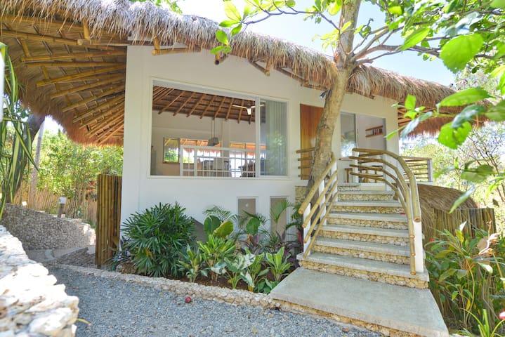 TREE Villa, Diniview Villa Resort Boracay