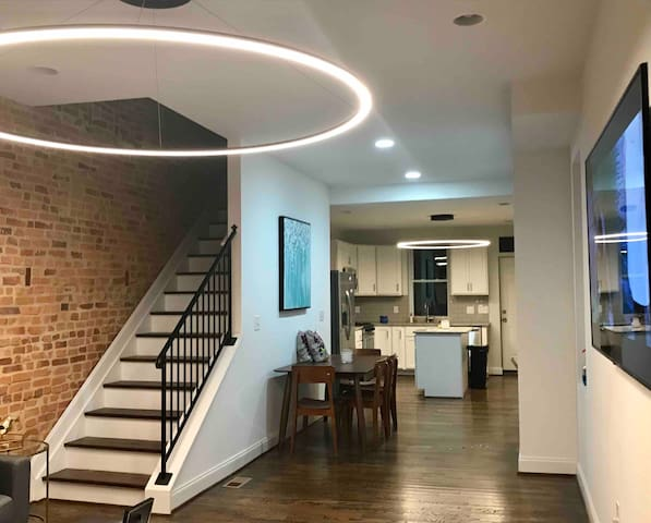 A lovely room in the heart of Greektown near JH