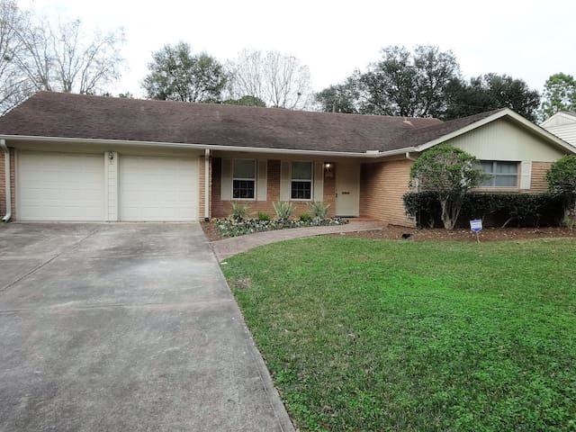 Westchase / Galleria Area Charming House - Houston - Hus