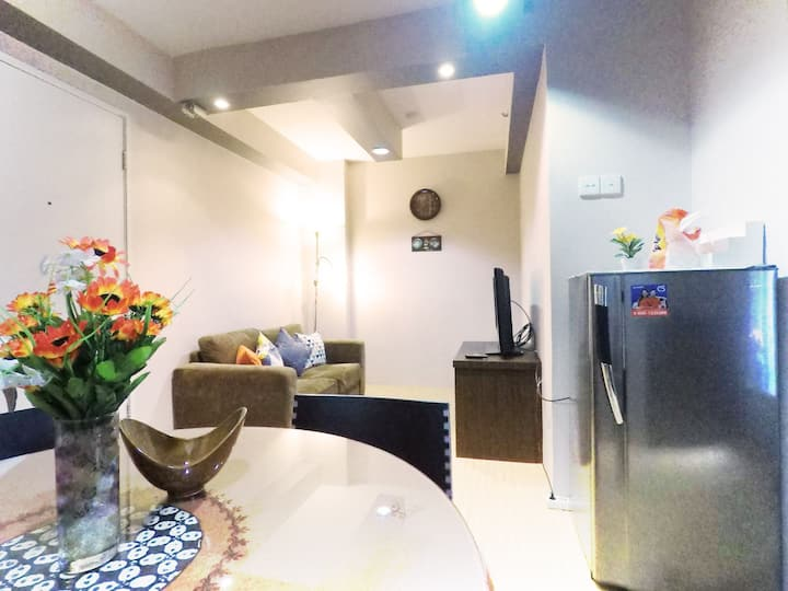 A Spacious place +free Wifi @ Kalibata City Apt.