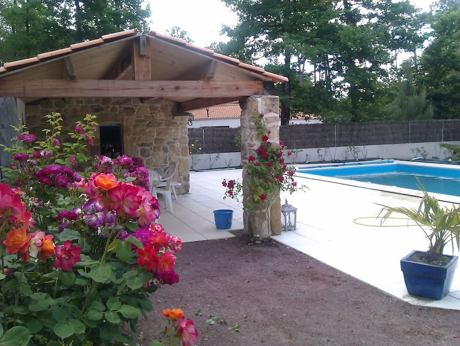 G te porte des iles avec jardin et piscine houses for rent in saint gervais pays de la Atmosphere agreable piscine jardin