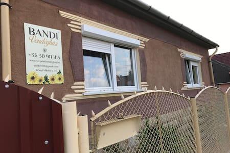Bandi 2 Apartment