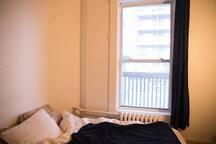 Chambre à 2 pas de Berri Uqam