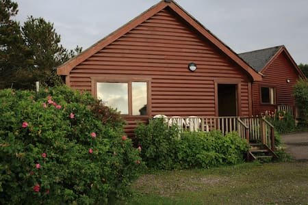 Cosy Lodge, sleeps 5- Nr Arisaig & the Beach - Arisaig - Kulübe
