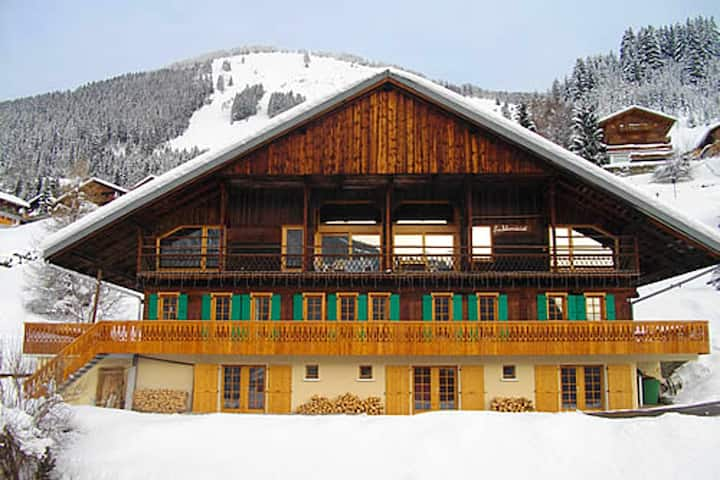 Apartment with 5 bedrooms in Châtel, with wonderful mountain view, shared pool, furnished garden