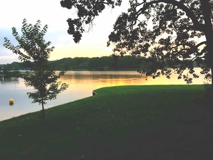 Enchanted Cove Lake House -Waterfront-Kayaks