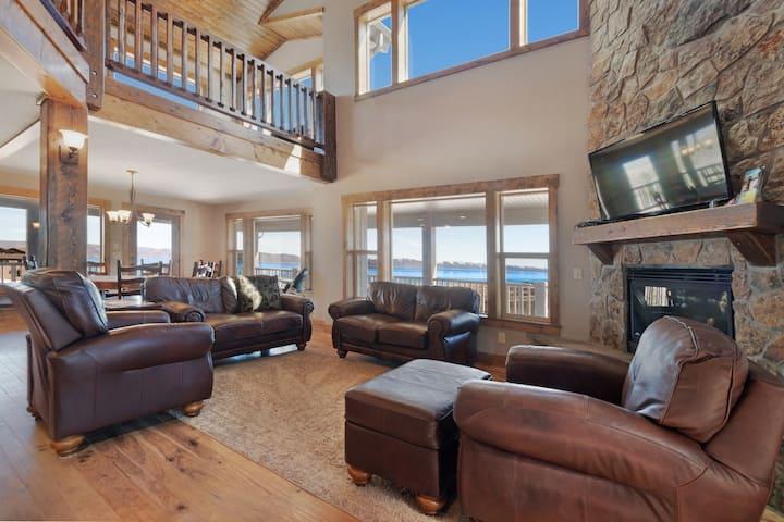 Superb, family friendly home w/ access to a shared pool, hot tub, gym, & beach
