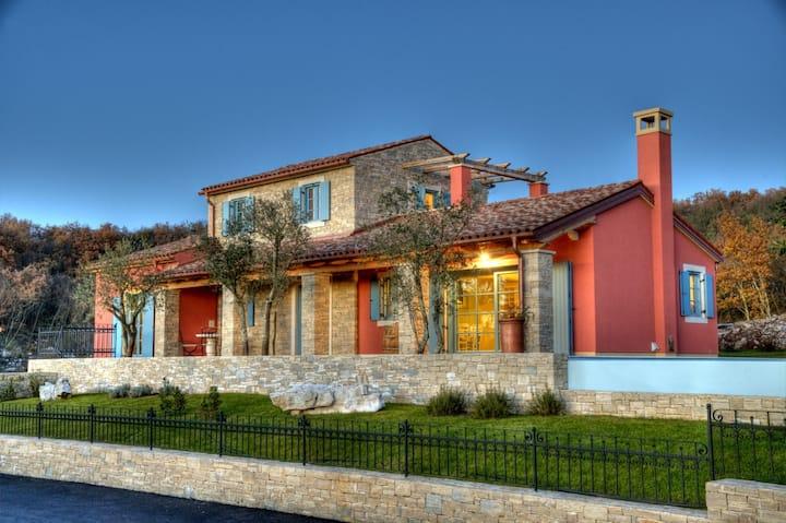 Villa Parona - Villa With a Sea View!