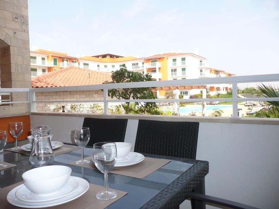 Alfresco dining overlooking the pool