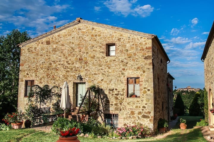 Tuscan villa & pool-6: relax with family & friends