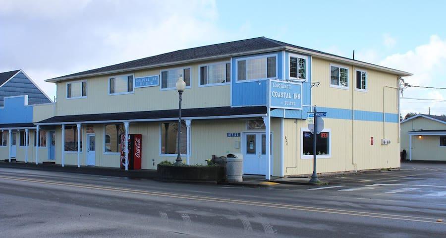 Coastal Inn and Suites - Room #17 Classic Queen