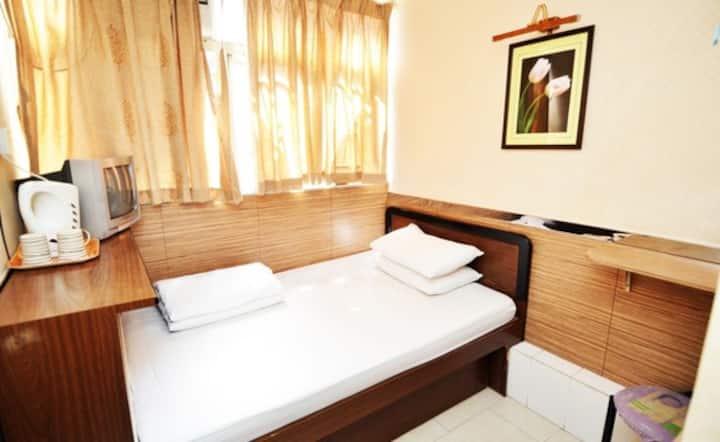 新旺角宾馆 为你提供优质服务大床