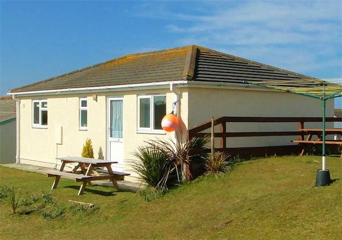 Roslyn Holiday Cottage - Cornwall Seaside Holiday