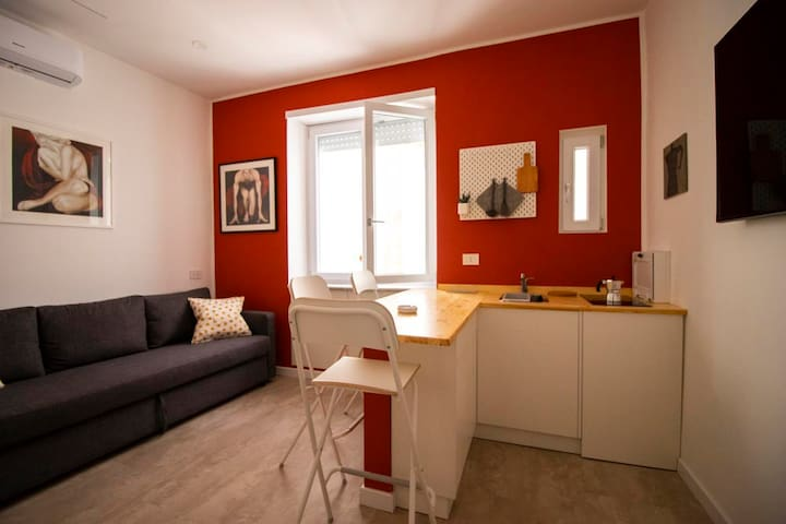 RED STUDIO 34 APARTMENT
