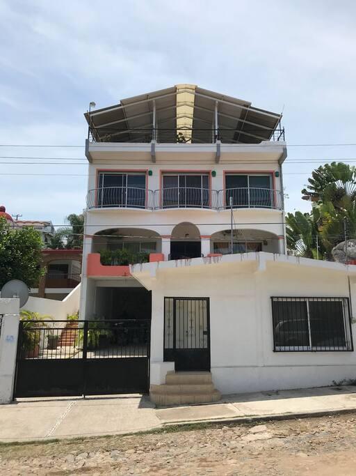 House face  Fachada de la casa