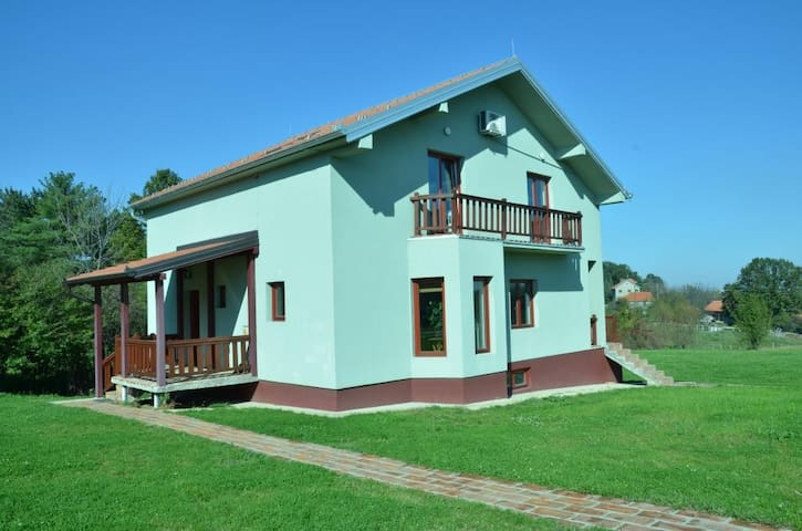 Big family House - Mala Ivanča - House
