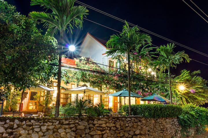 Phong Nha Farmstay - Deluxe Twin