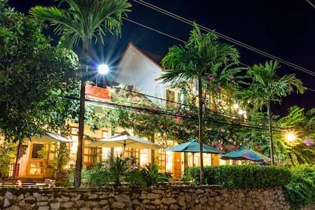 Phong Nha Farmstay - Deluxe Double