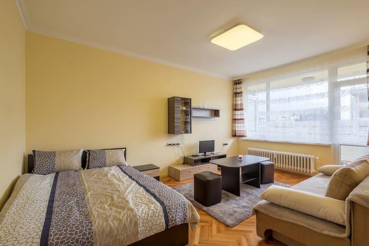 Niko&Kris apartment
