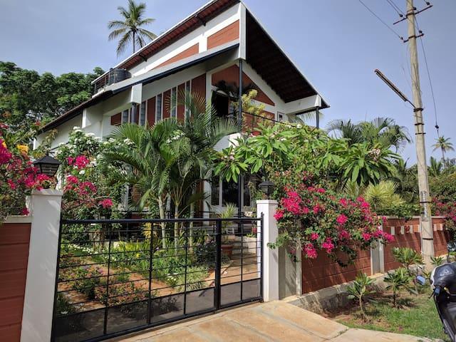 Villa Bougainvillea-A Garden Villa in Royal Mysore