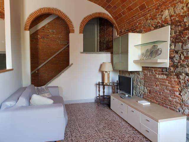 COUNTRY HOUSE-QUARRATA