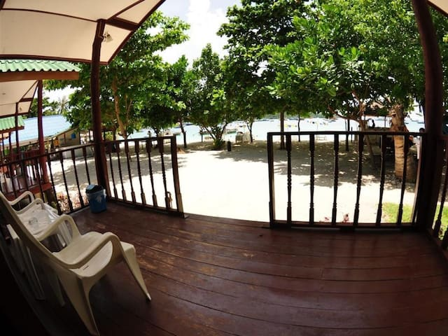Serene Bungalow on Beach - Beach Front - Ao Nang - บังกะโล