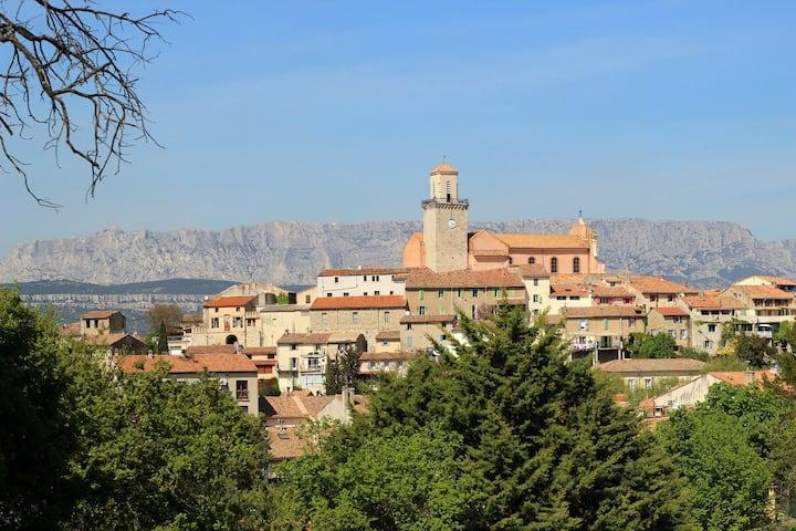 Quiet cocoon in a provencal village