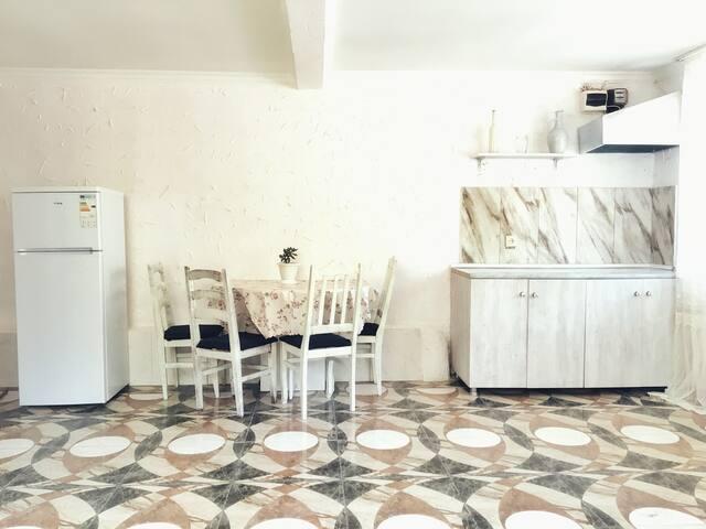 Уютная квартира в особняке с замечательным садом