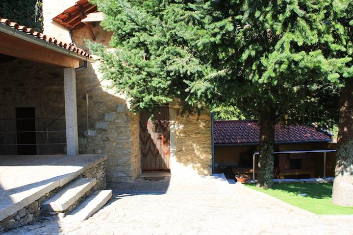 Palheiro Alto  |  Rural House