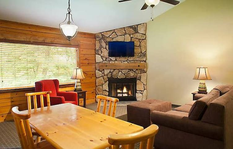 Entire Cabin Wisc Dells Christmas Mtn 3 Bed 2Baths