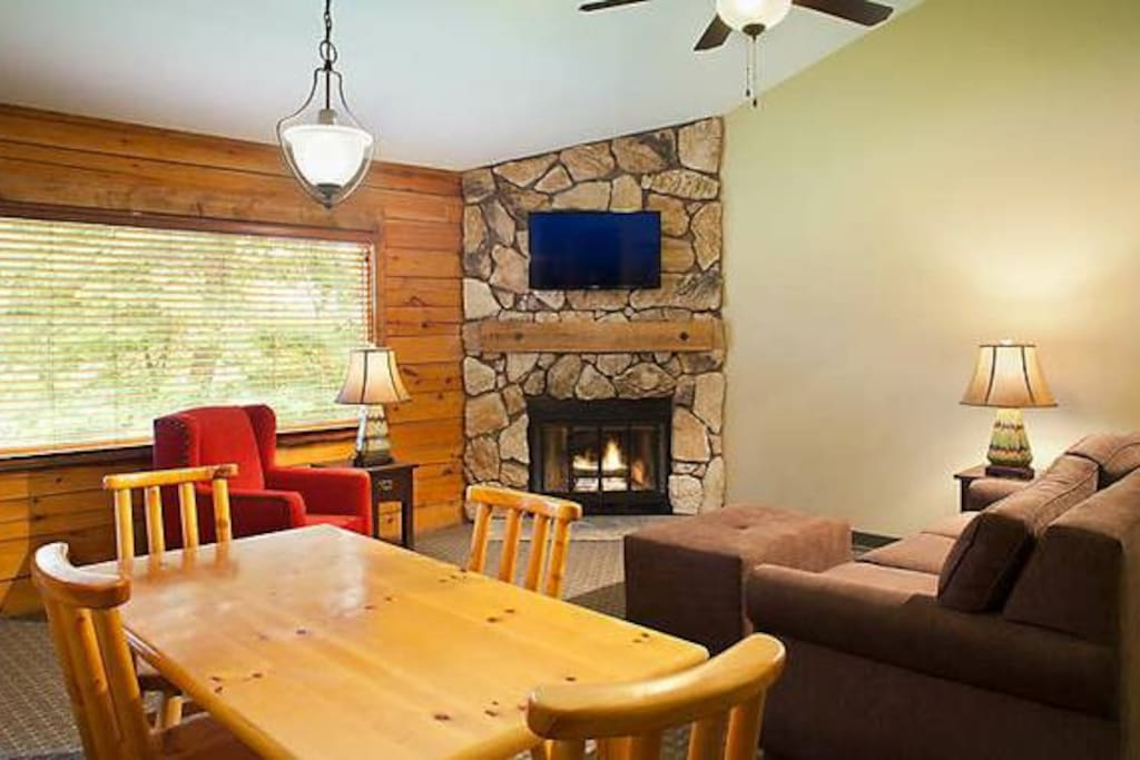 Timber Cabin 2 Beds 2 Baths Sleeps 6 Cabins For Rent In