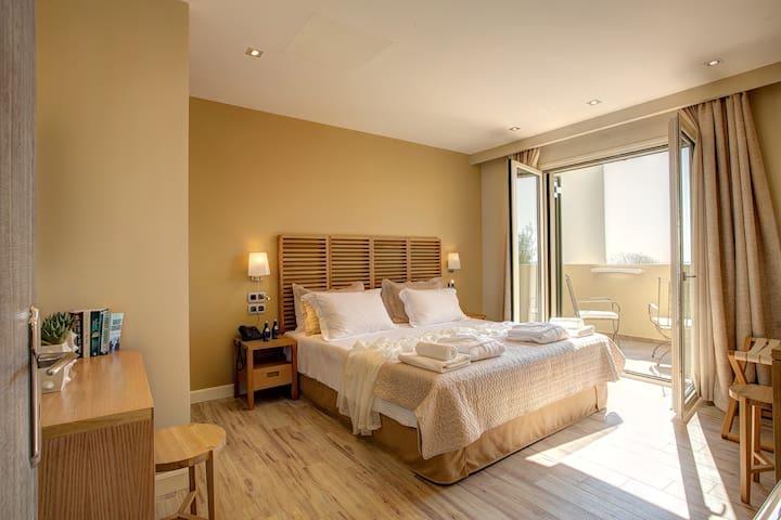 2 bedroom DELUXE SUITE with pool and 360'' view - Argostoli - Villa