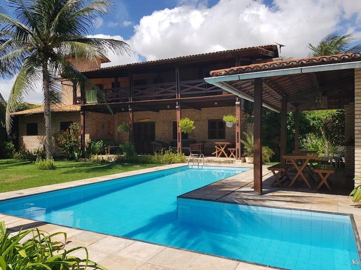 Linda casa a 50 m da praia de Guajirú,  Trairi, CE