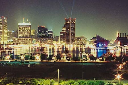 Quaint home in the heart of Charm City!!! - Baltimore - Ház