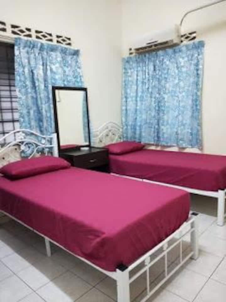 BEDROOM FOR 2 NEAR KLIA, CYBERJAYA, PUTRAJAYA